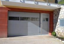 Sektionaltor mit Seitentür