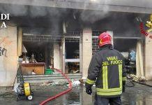 Mestre, violento incendio in negozio di via Trezzo
