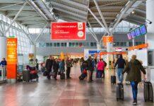 Lotnisko Chopina – ludzie w terminalu