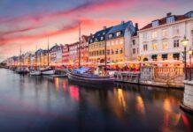 kanały w Kopenhadze o zachodzie słońca