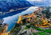 panorama zatoki Kotoru o zmierzchu