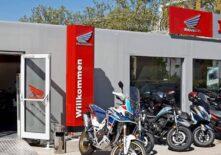 CHV-Containeranlagen-Motorradverkauf-Faber-aussen-Honda-eingang