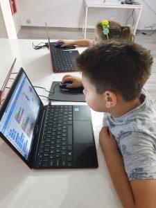 Curs de programare cu Iotesa Kids la Afterschool Exploratorii Cunoașterii Timișoara - Jocul meseriilor1