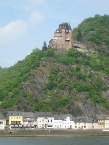 Burg Katz über St. Goarshausen ist in japanischem Privatbesitz und nicht mehr öffentlich zugänglich / Foto: Burgerbe.de