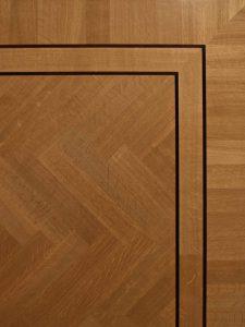 Visgraat vloer met staande Fries