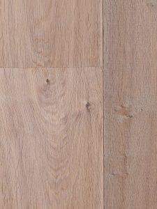 Eiken vloer met gerookte planken