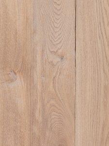 Plankenvloer verouderd en zonder groef