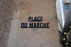 Les Docks Village Place du Marché