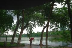 Lac Hoan Kiem sous la pluie