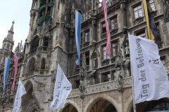 Rathaus, Beflaggung zum Tag der Befreiung von München vor 75 Jahren  2020