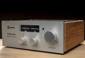 AUDIOZEN Embrace : un amplificateur intégré inspiré par le feu de l'Etna