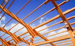 Dachbinder aus Holz als Element im Binderdach