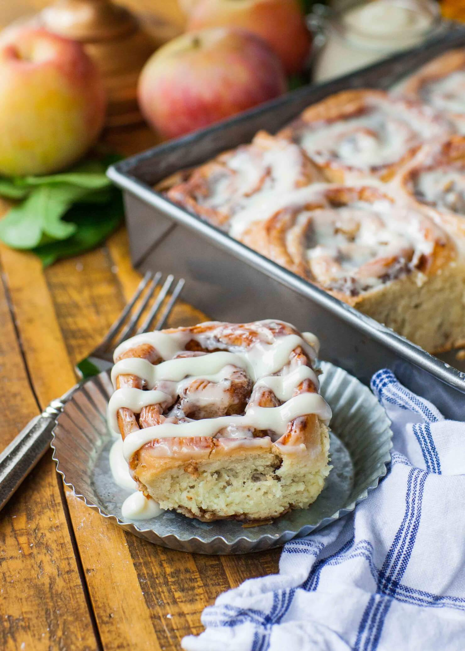 cinnamon roll close up with apples