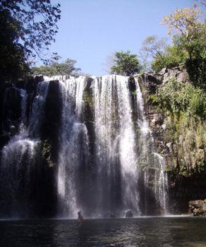 Cataratas Llanos de Cortés