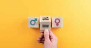 Egalité femmes hommes : les entreprises s'améliorent