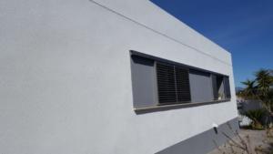 Fachada blanca monocapa