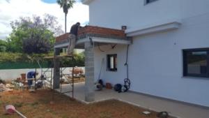 Sombrero de obra con ladrillo de panal, para muro del techo.