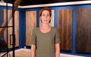Video houten vloer op tegelvloer