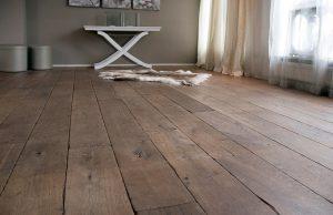 Zwaar verouderde houten vloer