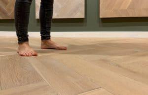 Moderne vloeren op vloerverwarming