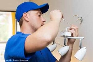 Tipp zum Bau stellt Ihnen die Aufgabengebiete des Installateurs bei Inbetriebnahme Ihres Smart Home-Lichtes vor.