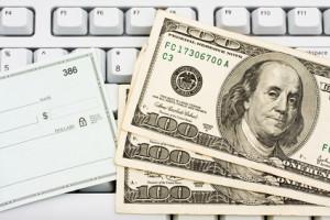 λεφτά-επιταγή-πληκτρολόγιο