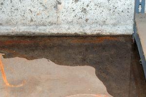 Undichte Kellerwannen im Altbau sind ein großes Ärgernis. Schnell kann das teuer werden.