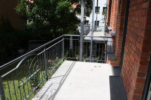 Tipp zum Bau gibt Ihnen das Wissen über das Treppengeländer an Ihrer Außentreppe an die Hand.