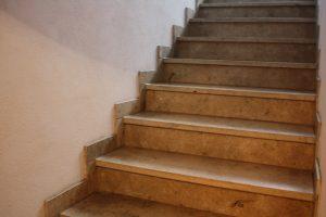Tipp zum Bau zeigt, wie Sie Ihre alte Holztreppe renovieren.