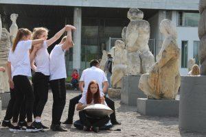 """Участники школы танцев """"ЭТО"""" и перфоманс в """"Музеоне"""" Парк «Музеон» «Музеон» отпраздновал свое 27-летие: репортаж из парка IMG 5391 300x200"""