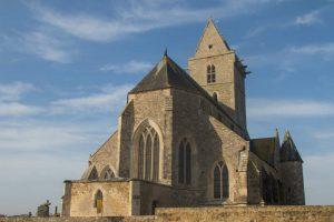 Die Kirche Saint Pierre Vesly