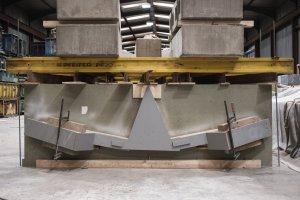 Gussform für die Betonflieger in der Produktionshalle von stayconrete