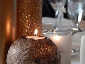 candle-912773_640