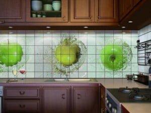 Наклеить керамическую плитку в кухне
