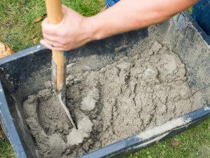 Tipp zum Bau erklärt Ihnen, wie Sie Beton richtig mischen.