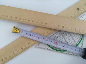 Erfahren Sie bei Tipp zum Bau, wie Sie bei Ihrer Treppenrenovierung richtig messen.