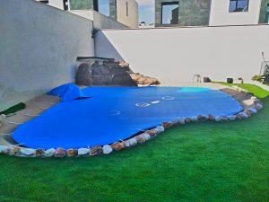 Cómo medir el área de una piscina en forma de riñón