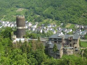 Burg Bischofstein an der Mosel
