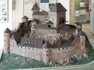 So sah Burg Frauenstein im Mittelalter aus (Modell im Museum im Schloss Frauenstein)/ Foto: Wikipedia / Martin Geissler