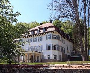 Schloss Rabenstein bei Zwiesel in Niederbayern soll ein Luxushotel werden / Foto: Wikipedia / Konrad Lackerbeck / CC BY 2.5