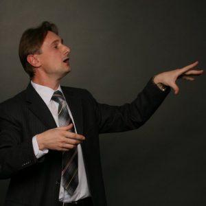 Паузы оратора - важный элемент речи.