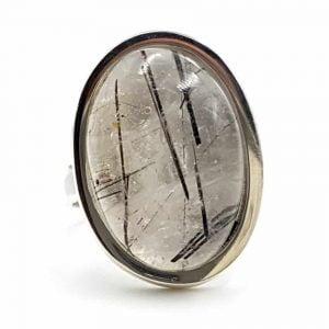 anillo de cuarzo turmalinado