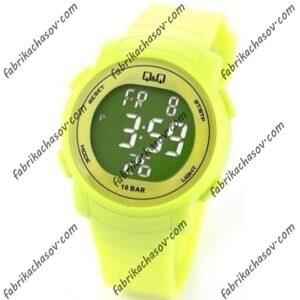 Часы Q&Q M122J005Y