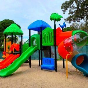 El Restaurante Torreón del Pardo instala Parque Infantil (Serie Natura) en el Monte Pardo en la comunidad de Madrid