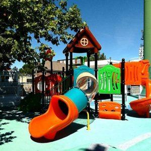 Instalación de parque infantil en el Colegio Brains Nursery