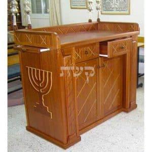 תיבה בבית הכנסת ריחניאן, כוכב יעקב- קשת רהיטים