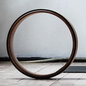 Yoga wheel in legno