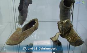 Auf Schloss Glatt gefundene Schuhe / Bild: Screenshot/Youtube