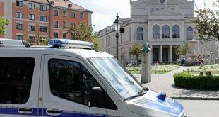 Polizeikontrolle am Gärtnerplatz in München