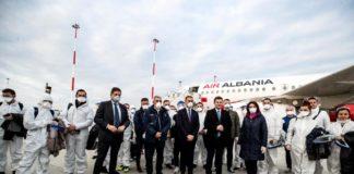 """Medici e Infermieri arrivati dall'Albania : """"Non abbandoniamo un amico in difficoltà"""""""